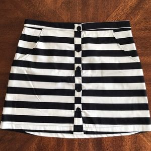 NEW Lily White Stripped mini skirt